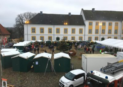 Julemarkedet set fra Augustenborg Slotskirke